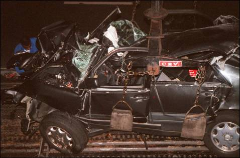 photos of princess diana car crash. of Princess Diana#39;s car 31