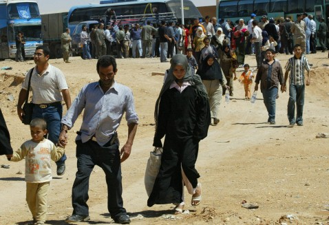 Al-Tanaf, SYRIA: Palestinian refugees arrive in Syria from Iraq at the al-Tanaf border crossing, 300 kms (190 miles) east of Damascus, 09 May 2006.