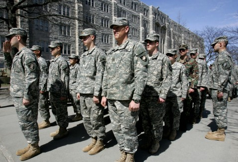 West Point, UNITED STATES: US Army cadets stand at attention as they wait to make their way to lunch at the mess hall 30 March 2007 at the United States Military Academy in West Point, NY.