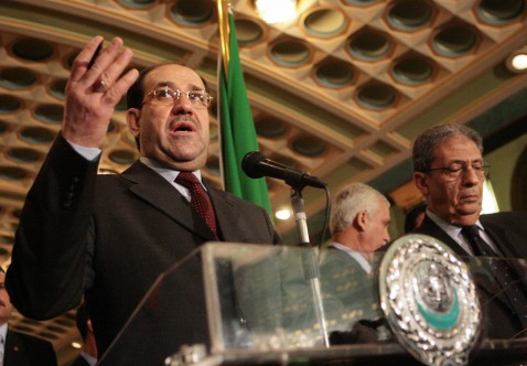 Cairo, EGYPT: Iraqi Prime Minister Nuri al-Maliki (L) gestures as he speaks during a joint press conference with Arab League Secretary General Amr Mussa (R) after their meeting in Cairo 22 April 2007.