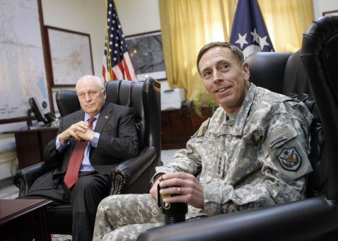 Baghdad, IRAQ: US Vice President Dick Cheney (L) meets with Gen. David Petraeus (R), commander of US forces in Iraq at the US embassy in Baghdad, 09 May 2007.