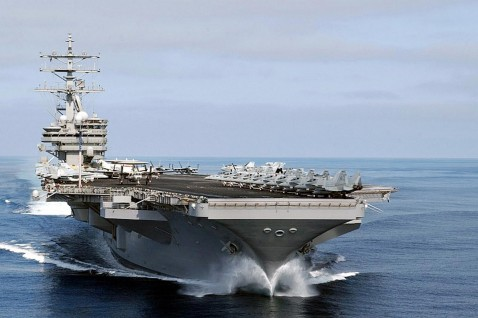 AT SEA, INDIA: The nuclear-powered aircraft carrier USS Nimitz cruises towards the port of Chennai, 01 July 2007.