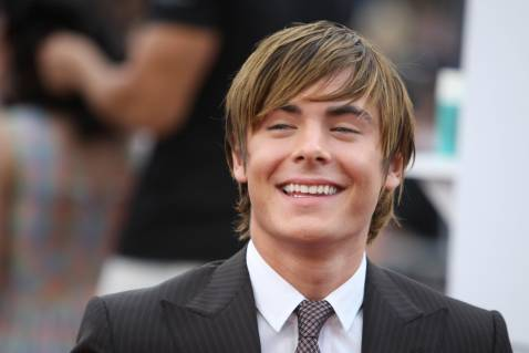 Los Angeles, UNITED STATES: Actor Zac Efron arrives at the premiere of New Line Cinema's 'Hairspray' at Mann Village Theatre in the Westwood section of Los Angeles, 10 July 2007.