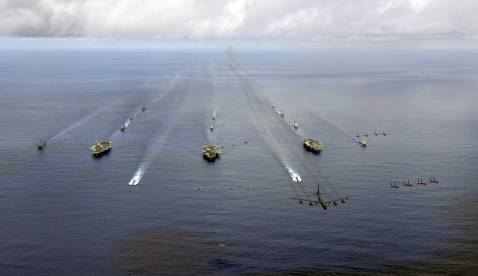 AUGUST 14: The USS Nimitz (CVN 68), USS Kitty Hawk (CV 63) and USS John C. Stennis (CVN 74) Carrier Strike Groups transit in formation during exercise Valiant Shield 2007 on August 14, 2007 in the Pacific Ocean.